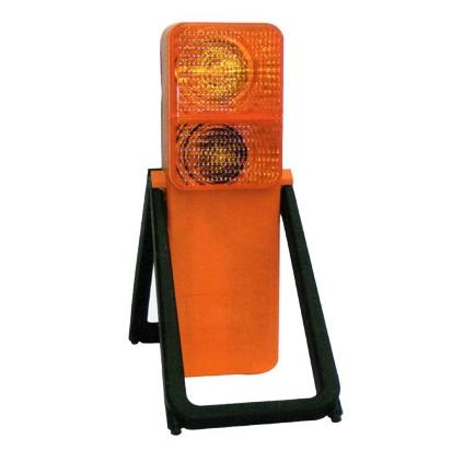 70286 ADR lámpa műanyag ház, stabil lábak, 6V-os 2,4 W-os izzó