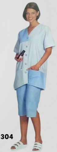 Női köpeny HT304, v nyakú, gombos, gallér nélküli, két zsebes modell.