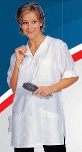 HT 213-es női köpeny, elöl gombos, galléros, csipke nélküli, egyenes fazonú modell. fehér