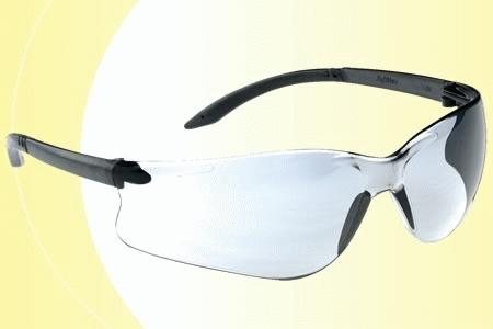 Lux Optical Softilux víztiszta munkavédelmi szemüveg, karc- és páramentes lencse, fekete, állítható szárral 60560-as