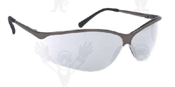 Lux Optical Titalux, víztiszta lencsés munkavédelmi szemüveg, karc- és páramentes lencse, fekete fémkerettel. 62210-es